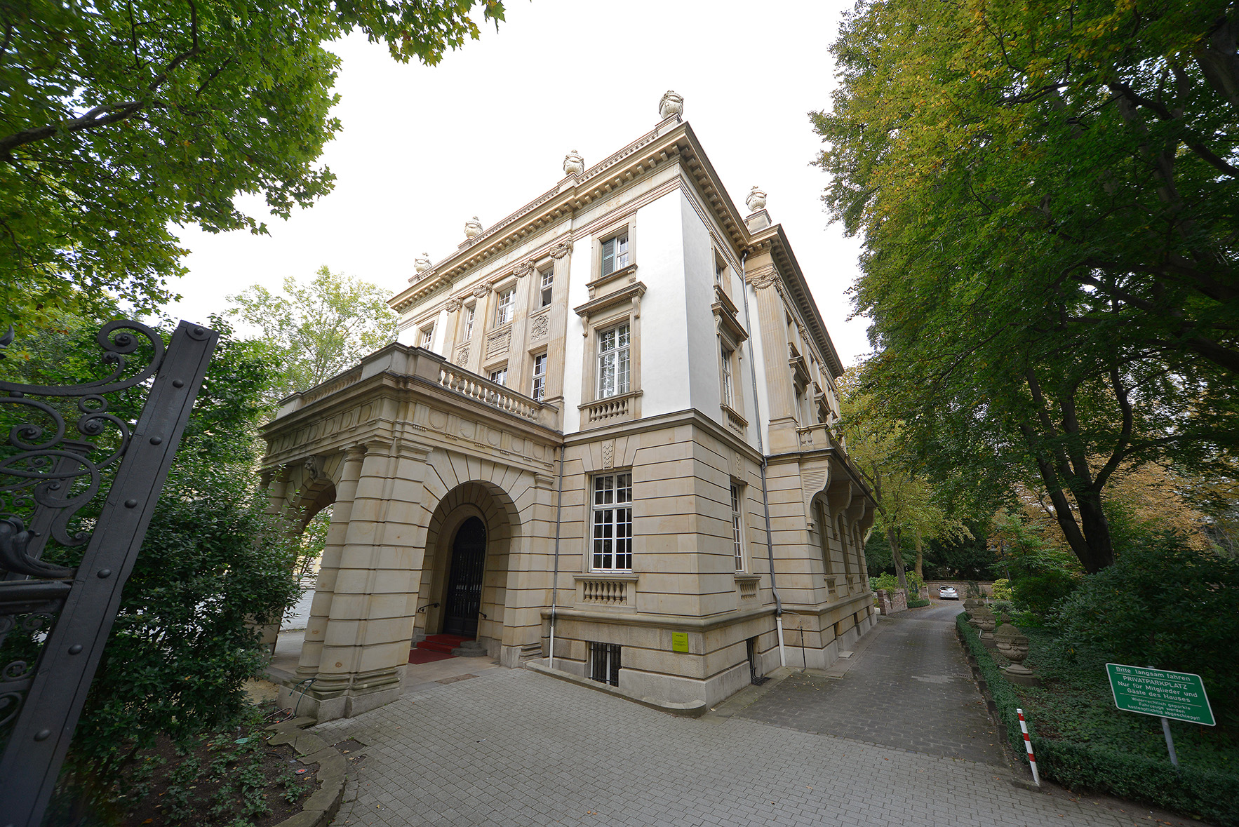 Villa Bonn Hotel Beethoven In Frankfurt Am Main An Der